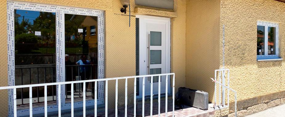 Portas de PVC para moradias e apartamentos